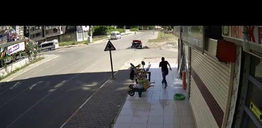 Diyarbakır'da Feci Trafik Kazası Speedron Kamera ile Görüntülendi
